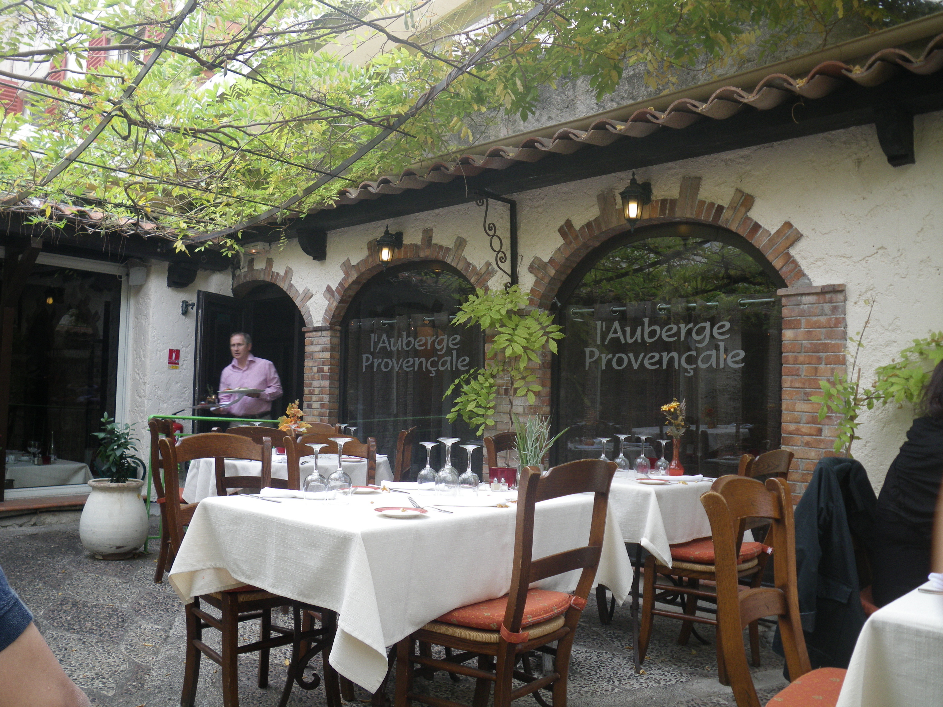 L auberge proven ale antibes france little chulet 39 s world for Restaurant antibes