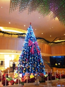 Massive Tree in One World hotel